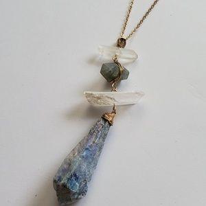 Jewelry - Beautiful Stone Dangle Necklace